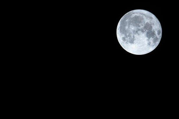 満月の夜が高確率! 珍しい夜に見える虹