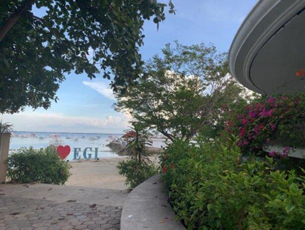 セブ ブルーオーシャン アカデミーは、学校の敷地から歩いてビーチに行くことができます