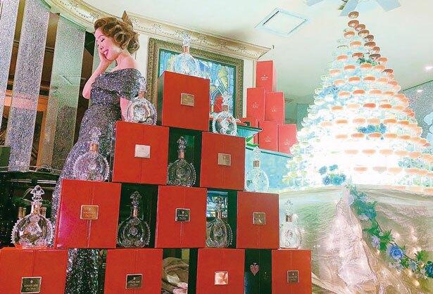 「ルイ13世タワー」円錐14段10本。1250万円。
